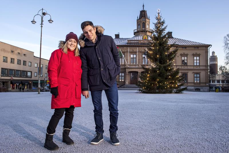 Daniel Keleperas ja Athina Pavli ovat kotiutuneet Pietarsaareen paremmin kuin osasivat kuvitella.