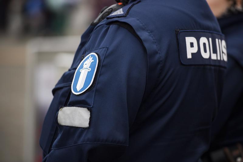 Poliisi pyytää mahdollisia havaintoja punaisen Fiat Punton liikkeistä.