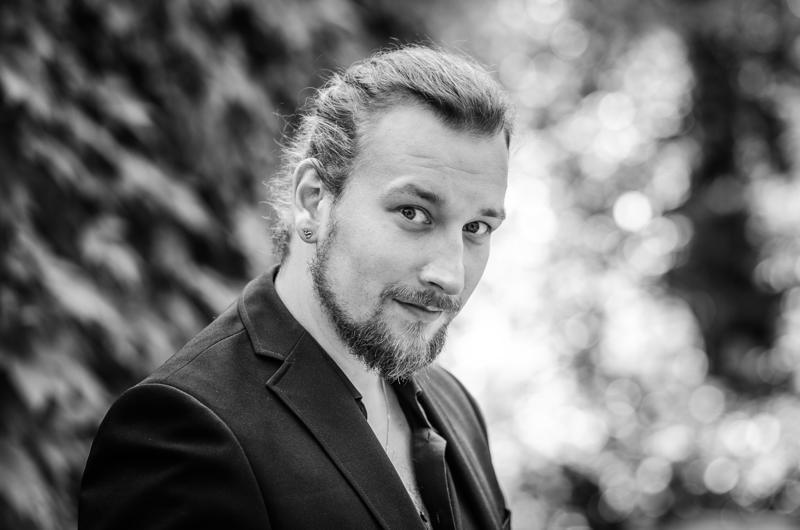 Viime keväänä Lappeenrannan laulukilpailujen yleisön suosikki Henri Uusitalo konsertoi ensi viikonvaihteessa Pyhäjoella, Pattijoella ja Oulussa.