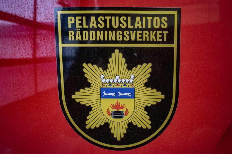 Rekan ulosajo työllisti Keski-Pohjanmaan ja Pietarsaaren alueen pelastuslaitosta uudenvuodenpäivänä Kruunupyyssä.