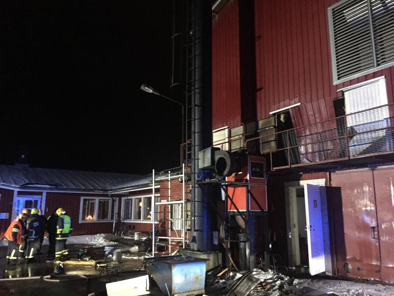 Westwoodin tehtaalla syttyi tulipalo keskiviikkoiltana Uudessakaarlepyyssä.