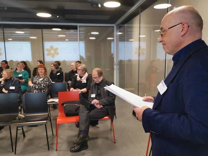Kokkolan kulttuuritoimenjohtaja  Sampo Purontaus veti Kotiseutuliiton valtuuston strategiakeskustelua lauantaina keskustakirjasto Oodissa Helsingissä.