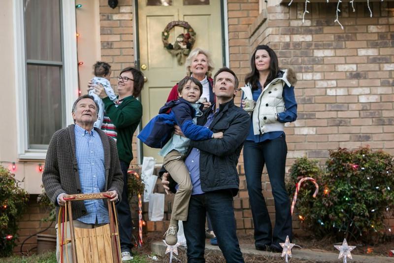 Koomikko Robin Williams (vas.) ihmettelee joulun ihmettä.