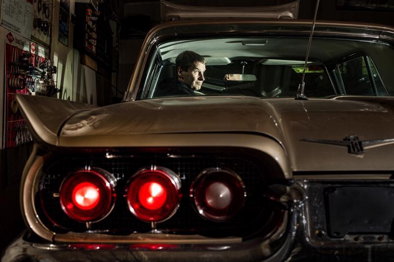 Tämä ei ole Hurriganes-yhtyeen Roadrunner-albumin kansi, vaikka sellaisestakin kävisi. Autossa istuu Juha Marjakangas.