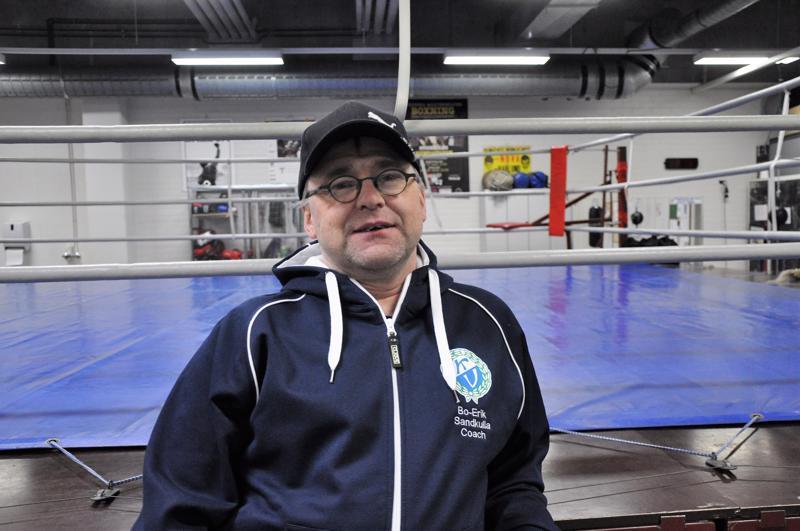 Nyrkkeilysali on Bo-Erik Sandkullan toinen koti. Hänen valmennettavansa ovat voittaneet kuusi Suomen mestaruutta.