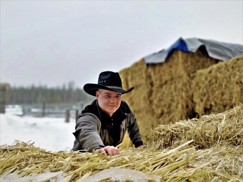 Leander Forsblom avasi biisonitilan Ähtävällä syksyllä. Nuori karjankasvattaja kaavailee Torrent Bisonista vierailutilaa. Viiden vuoden suunnitelmiin kuului mm. safarien ja kesäleirin järjestäminen sekä tuotannon kasvattaminen 150 biisoniin.