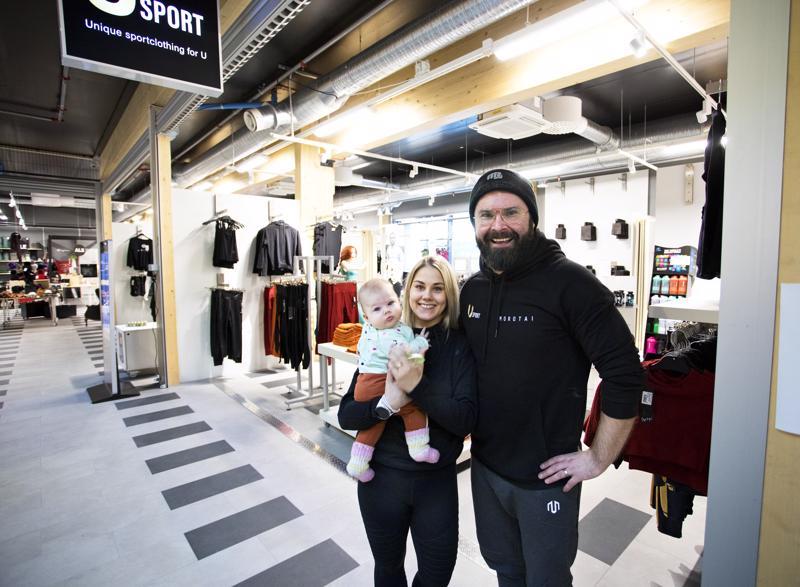 Rauli Salmela ja Maria Vakkuri laajentavat Usportin toimintaa. Pariskunta on juuri avaamassa toista liikettä Ouluun ja Kalajoella sijaitsevalle päämyymälälle etsitään entistä isompia tiloja. Kaiken yrityskasvun keskellä he ovat saaneet myös vauvan, Enni-tyttö täyttää pian puoli vuotta.