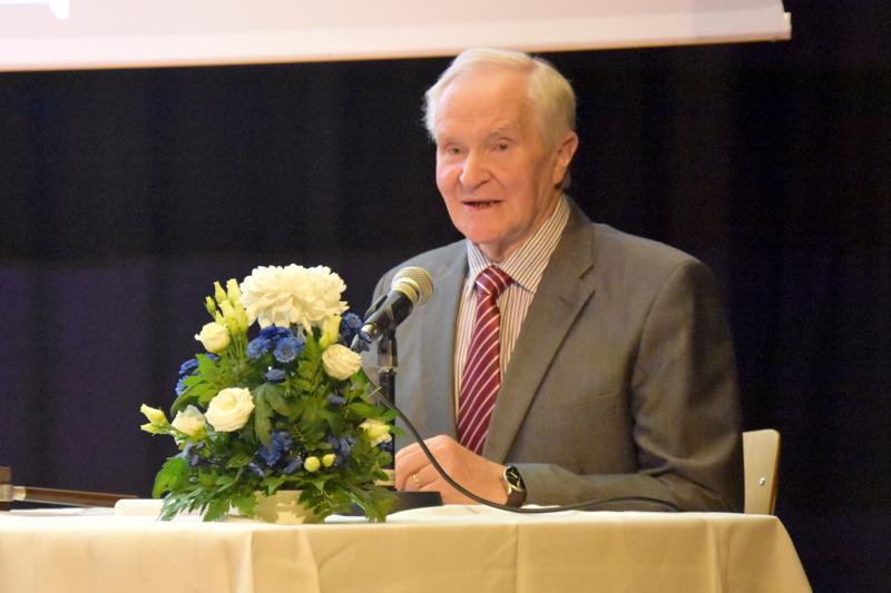 Erkki Kujala oli seminaarin puheenjohtaja.
