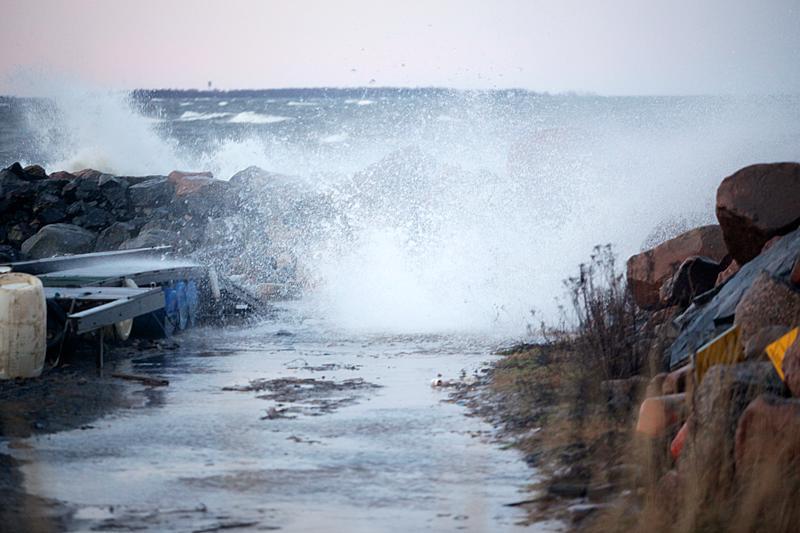 Keski-Pohjanmaalla myrskysi lauantaina. Kuva on Kalajoen Keskuskarilta vuodelta 2011.