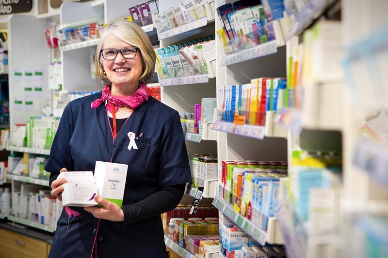Kokkolan keskusapteekin apteekkari Birgitta Måsabacka huolehtii siitä, että Kokkolan alueen apteekkien asiakkaat saavat tarvitsemansa lääkkeet. Aina se ei ole kuitenkaan helppoa.