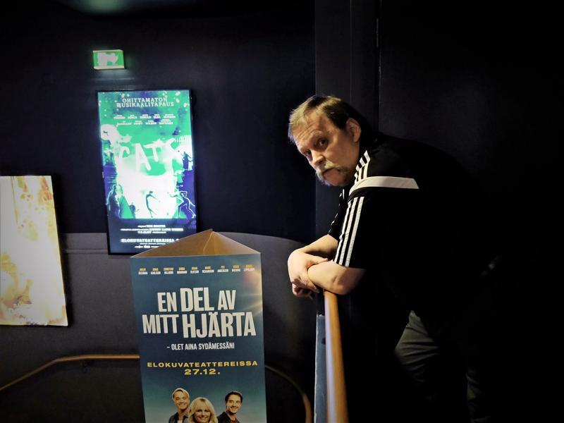 – Edessä on mukava leffavuosi, jonka kohokohtia ovat mm. Taistelulähetit 1917 ,  Bond ja Risto Räppääjä, Paavo Katajamäki näkee.