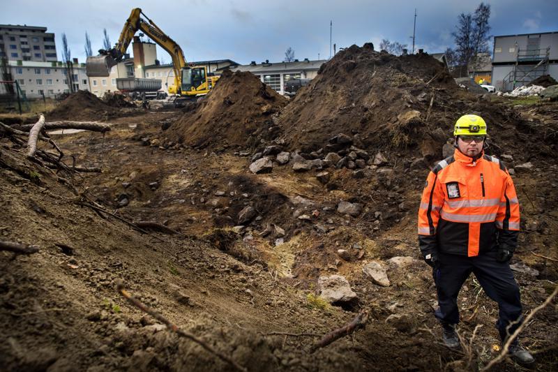 Keski-Pohjanmaan ja Pietarsaaren alueen palolaitoksen puolelta rakennusajan projektityöntekijänä toimii Jani Hohenthal.