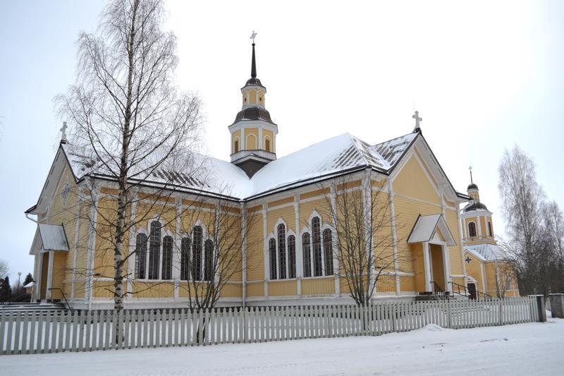 Pyhäjärven kirkko on vuonna 1897 valmistunut kaunis puuristikirkko.