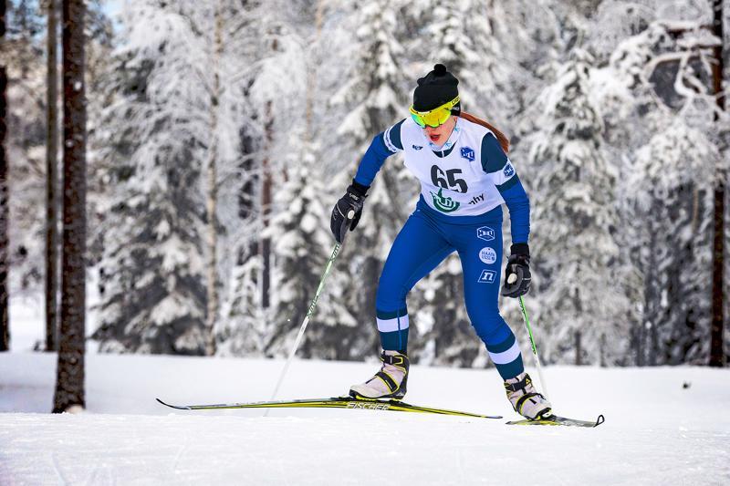 Riina Taskilan kisakunto on nousussa. Päätähtäin on hiihtää kauden paras Hopeasompassa. Arkistokuva.