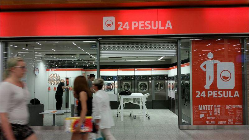 Yleisimmin 24 Pesula toimii kauppakeskusten yhteydessä. Perusideana on se, että asiakkaat jättävät vaatteet peseytymään kauppaostosten ajaksi.