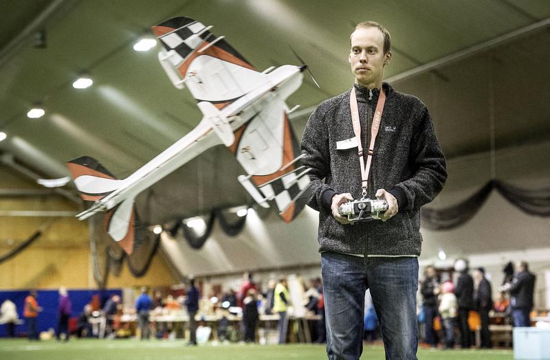 Lassi Nurila palkittiin vuoden 2019 parhaana ilmailu-urheilijana.