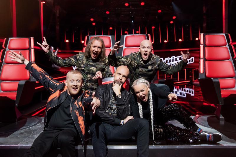 Uudella kaudella valmentajia on mukana viisi, mutta tiimejä on aikaisempien kausien mukaisesti neljä. Uusina tähtivalmentajina aloittavat Juha Tapio ja Sipe Santapukki, joka jakaa punaisen tuolin ja vastuun päätöksistä Toni Wirtasen kanssa.