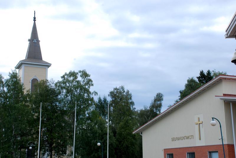 Nivalan seurakunnan jäseniksi kastettiin viime vuonna 103 henkilöä, mikä on täsmälleen sama määrä kuin viime vuonna kuolleiden seurakunnan jäsenten määrä.