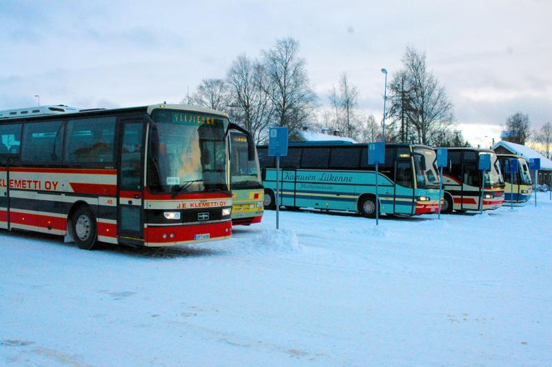 Joukkoliikenteen palvelutasosuunnitelmaa sorvataan valmiiksi ensi syksylle, jolloin liikennöinti kilpailutetaan.