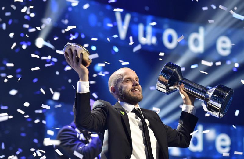 Teemu Pukki juhli odotetusti vuoden urheilijan titteliä.