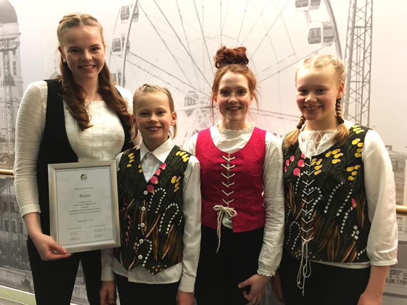 Jennina Salmela, Joonatan Lappalainen, Anna Salomaa ja Emilia Lappalainen pääsivät soittamaan Folklandia-risteilyllä tapahtuman yhdellä päälavoista, Top Club:lla.