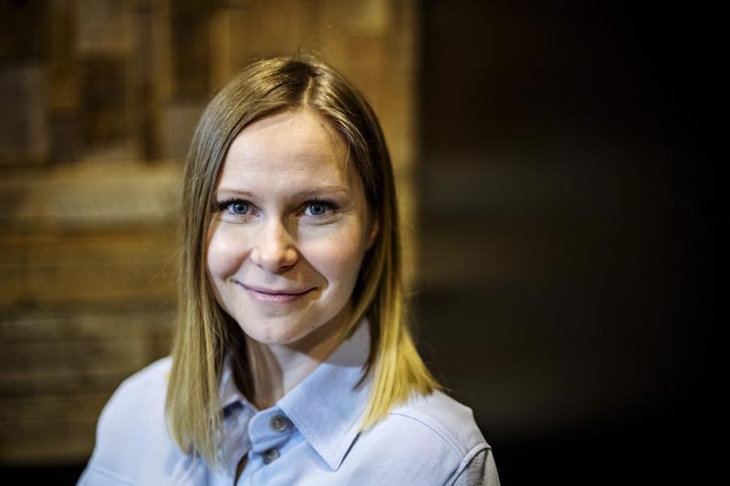 """Johanna Pystynen sanoo, että naisten verkostoja tarvitaan siinä missä miestenkin: """"Sukupuolen sijaan kannattaisi ennemmin keskittyä siihen, onko tämä verkosto sellainen, että se tuottaa arvoa sen jäsenille, ja jos niin on, silloinhan se on hyödyllinen."""
