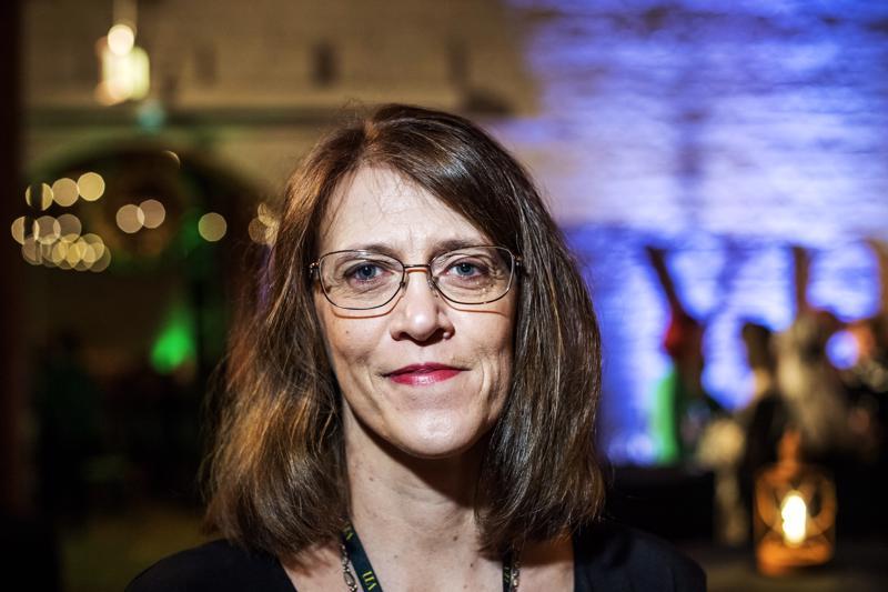 """Yksikönjohtaja Jessica Sundström Kokkolan ensi- ja turvakodista voitti arvonnassa liput Vaikuttajanaisten tapahtumaan: """"Kaikki, mitä ilta tuo tullessaan, tulee minulle siis yllätyksenä""""."""