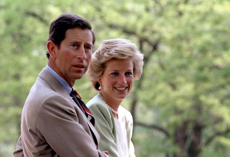 Tämä tarina ei päättynyt hyvin. Vuonna 1981 avioituneet prinssi Charles ja prinsessa Diana erosivat vuonna 1996. Seuraavana vuonna Diana kuoli traagisesti.