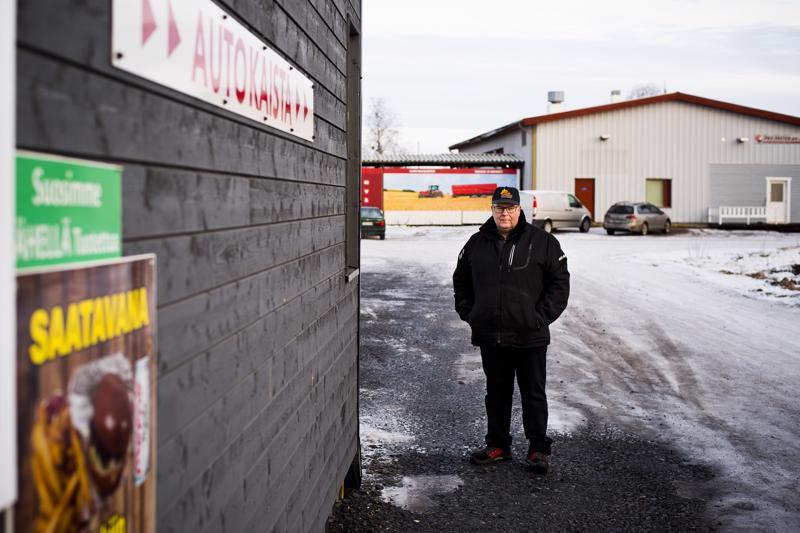 Juha Lindström on ollut yllättynyt, kuinka paljon asiakkaita Nivalan Autogrillillä on käynyt. Se on saanut yrittäjän miettimään jo laajentamista.
