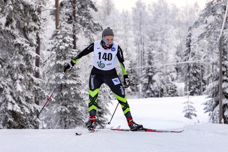TeamSkiersin Roosa Juuska oli naisten yleisen sarjan nopein Reisjärvellä.