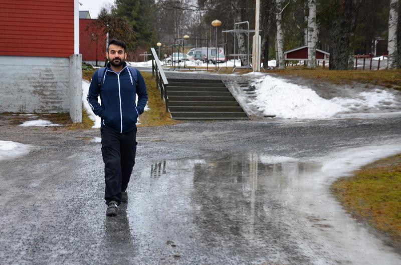 Puolenkymmenen vuoden aikana Sami Hussein on nähnyt monenlaista talvea. Rovaniemellä asuessaan hän jakoi lehtiä pitkästi yli 30 asteen pakkasessa ja tällä viikolla lähti vesisateessa töihin Sievissä. Husseinin henkilöjuttu oli Kalajokilaakson verkon luetuimpia tällä viikolla.