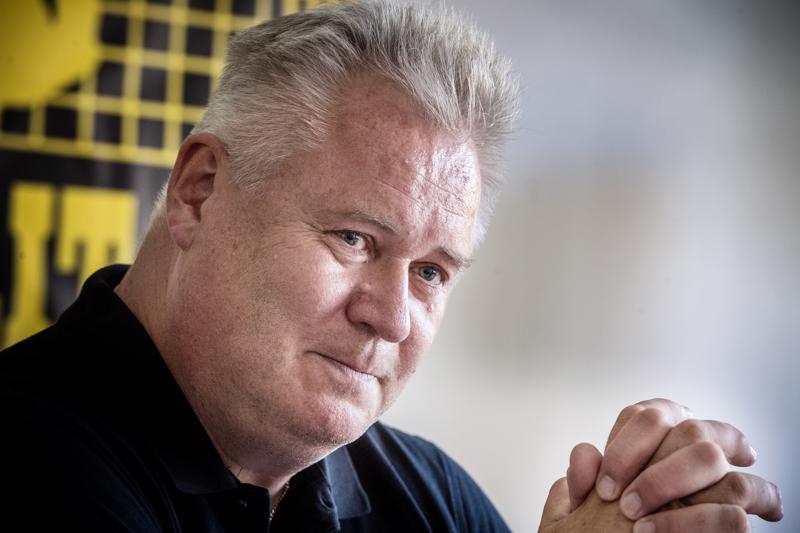 Jussi Jokinen on toiminut toistakymmentä vuotta Mestaruusliigan toiminnanjohtajana. Jokinen myöntää, että kotimaisessa liigassa on meneillään suvantovaihe.
