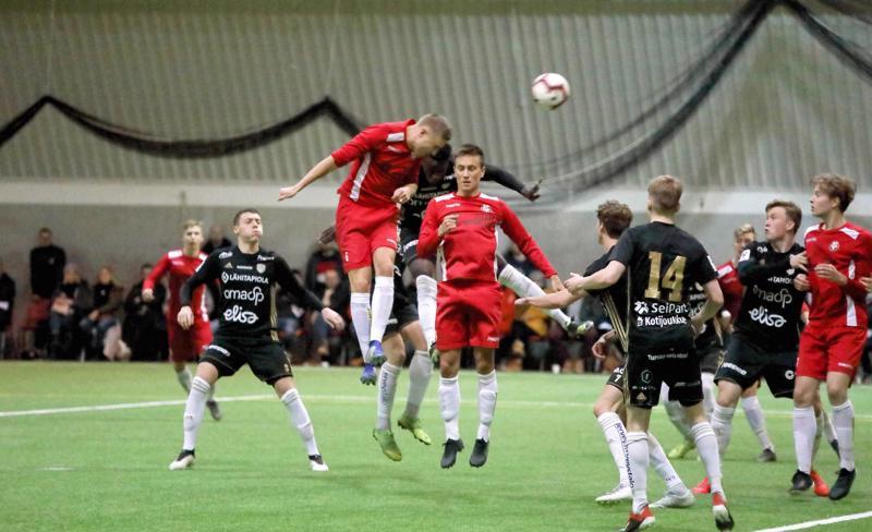 Konkaripuolustaja Johan Brunell iski Jarolle maalin lauantain harjoitusottelussa liigaseura SJK:ta vastaan. Joni Remesaho varmisti tilanteen.