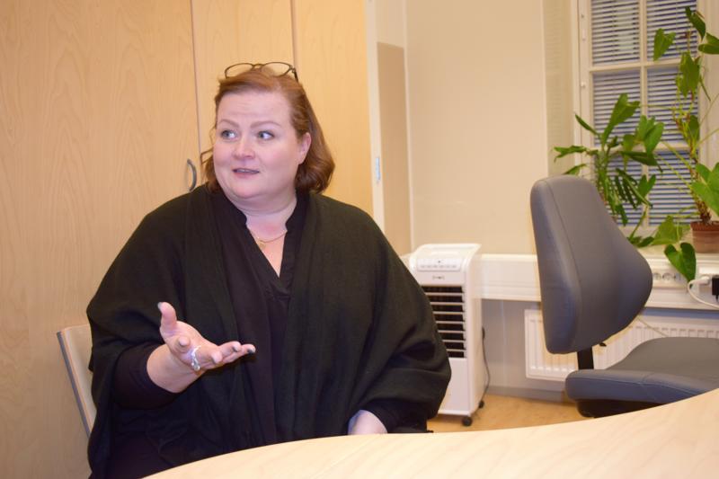 Kotouttamiskoordinaattori Pia Fraktmanin mukaan Pietrsaaren seudulle muuttaa ulkomailta lähinnä perheitä.