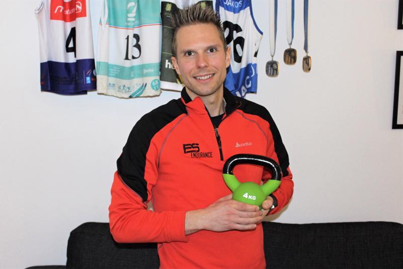 Luotolainen yksinyrittäjä ja urheilija Eric Storvall kertoo panostavansa nykyään maratonhiihtoon ja kilpailevansa myös kansainvälisissä massahiihtotapahtumissa.
