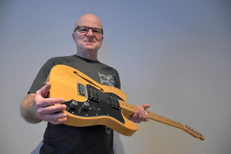 Kolmannes-akustinen Telecaster toimi esikuvana, kun Risto Liikanen alkoi rakentaa ensimmäistä omaa kitaraansa viime vuosituhannen puolella.