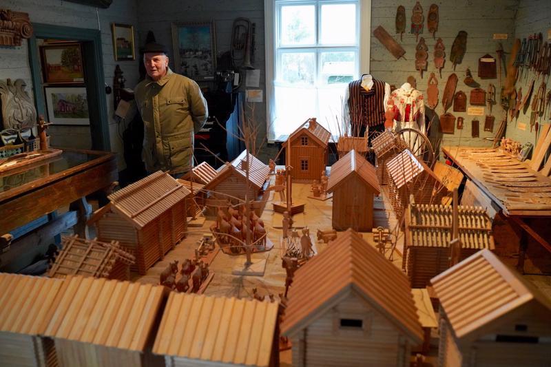 Museossa Jåfs-maatilan pienoismallin näyttely vuosilta 1880–1920.  Näyttely on esillä vielä tänä vuonna.
