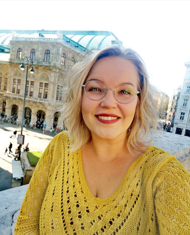 Jenni Hietala otti itsestään kuvan, selfien opiskelukaupungissaan Wienissä lokakuussa 2019.