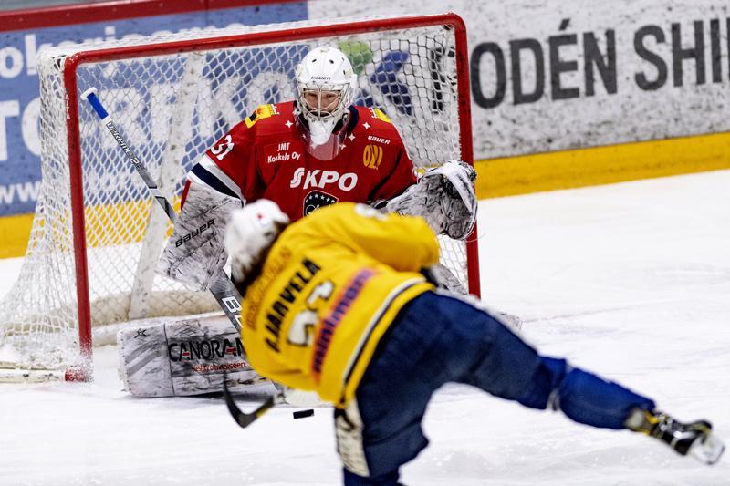 Olli-Matti Järvelän kuti livahti Samuel Barosin längistä sisään ajassa 3.12.