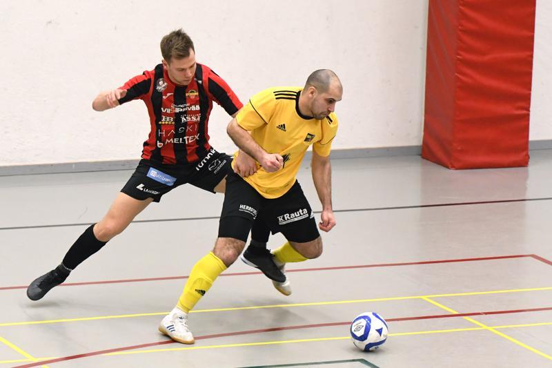 Kevätkauden liigapeleissä Sievi FS:n riveihin palannut Radik Akhmetkhanov teki kauden ensimmäisen maalinsa lauantaina Toijalassa.