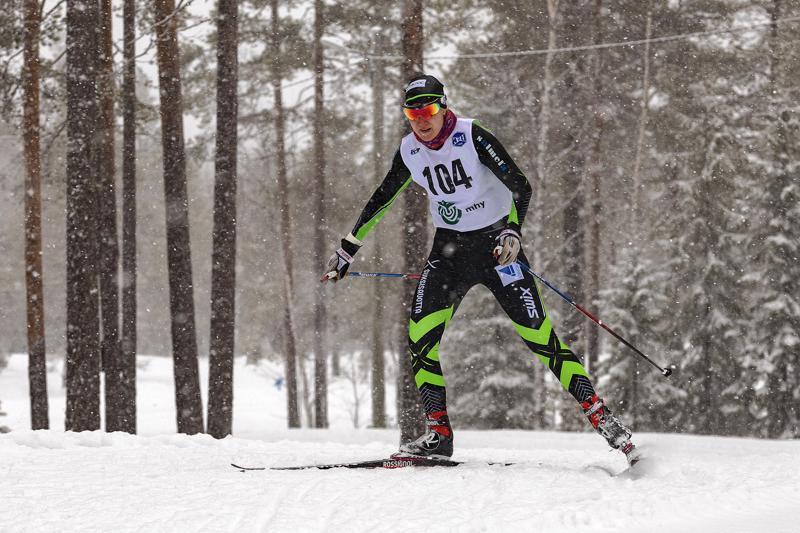 Roosa Juuska on hallinnut tämän talven piirinmestaruushiihtojen naisten sarjaa.