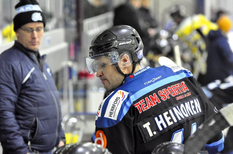 Tomi Heinonen palasi vuosien jälkeen Jääkarhujen edustusjoukkueeseen ja napsi heti neljä tehopinnaa.