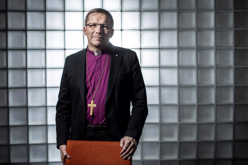 Oulun hiippakunnan piispa Jukka Keskitalo pitää tärkeänä laajaa keskustelua yhteiskunnan arvoista, myös sen takia että samalla se haastaa kirkkoa uudistumaan.