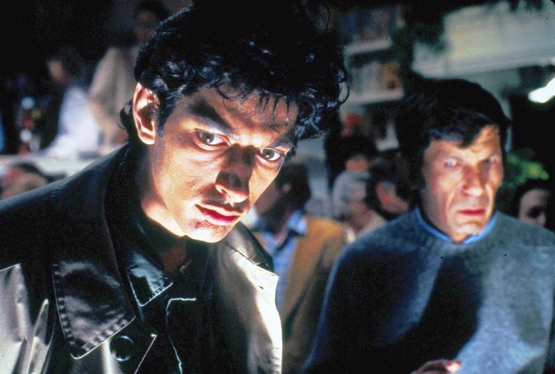 Jeff Goldblum ja Leonard Nimoy arvoituksen jäljillä.