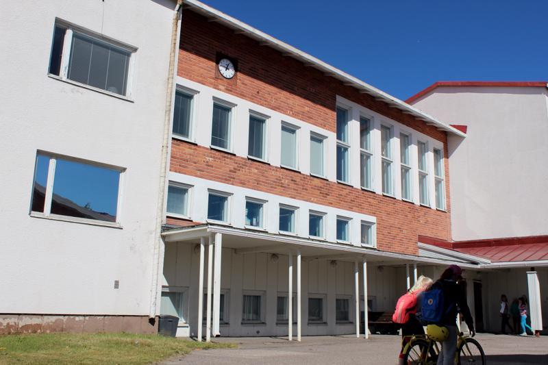 Pohjankylän koulun vanha osa poistuu katukuvasta elo-lokakuun aikana.