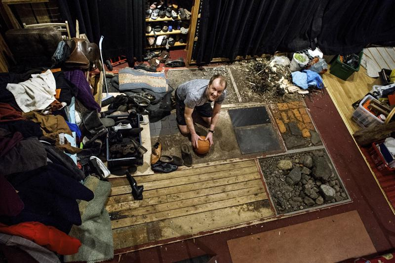 Heikki Kossi teki foley-äänet Oscar-gaalassa ehdolla oleviin Ad Astra -elokuvaan ja The Cave -dokumenttielokuvaan.