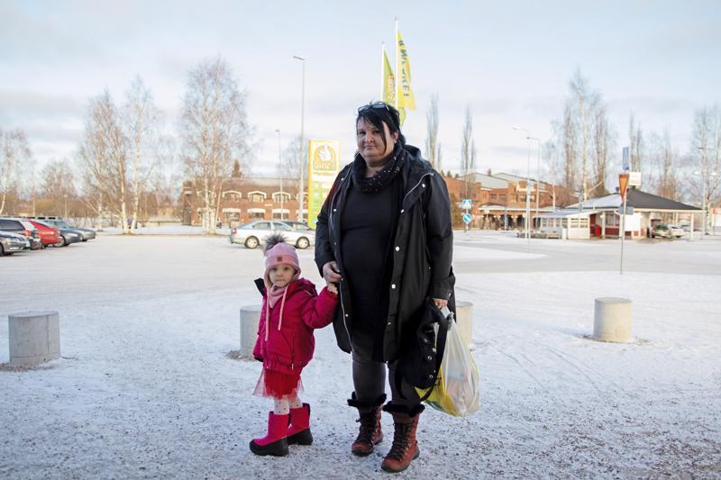 ANNE SORVISTO: Kuuntelen vähän kaikenlaista. Suomalaisista artisteista muun muassa Lauri Tähkää ja Apulantaa.