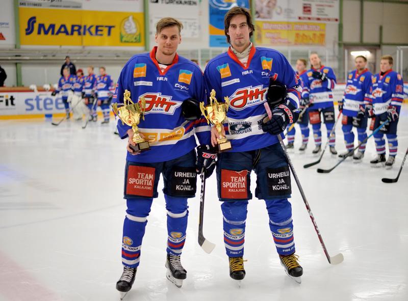 Vaikka JHT hävisi, se sai myös kunniaa, sillä ennen peliä palkittiin pelaajat Jarno Palola ja Jere Rantala. Palola voitti Suomi-sarjan pistepörssin 57 pinnalla, Rantala tuli hienosti toiseksi 51 pisteellä.