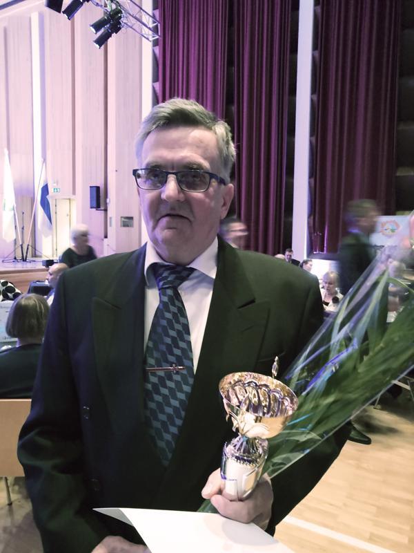 Palkinnon vastaanotti Olavi Pernu.