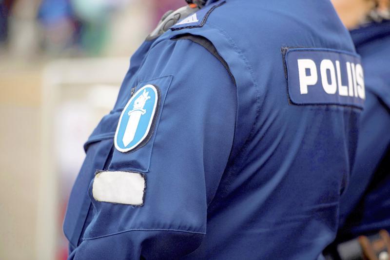 Kaksi ulkopaikkakuntalaista miestä kävi varkaissa viikko sitten Kaustisella. Poliisi tavoitti miehet pian tapahtumien jälkeen.